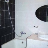 Renovated Bathroom with Hot water 24/7